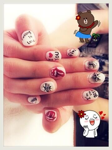 [TWITTER] 18.06.13 | Dara (@krungy21) excité montre ses ... Dara Falling In Love Nails
