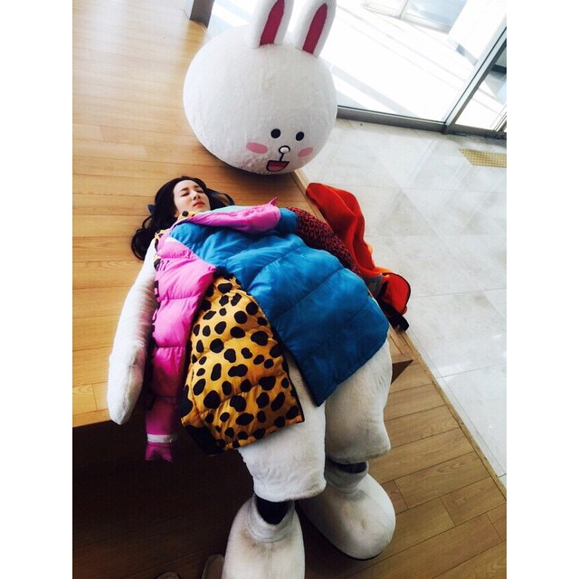 dara-instagram-update-150408-1