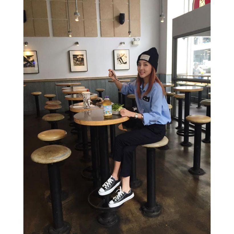 Dara : Ssanyorker qui mange un brunch ☺️ Ssanyorker à NYC