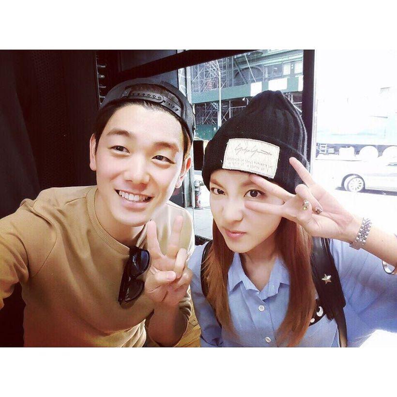 Dara : J'ai rencontré par hasard Eric Nam dans cette lointaine ville qu'est New York !!! 😮 C'était un réel plaisir de l'avoir rencontré !!! 😄 @realericnam