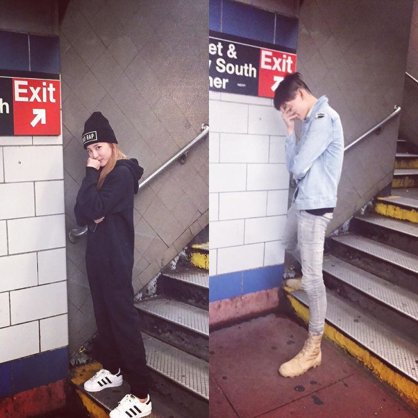 Dara : Dans une station de métro à New-York.. On prend la pose !!! Featuring Park Hyeongseop-gun 😁 with @hyeongseop at the subway station