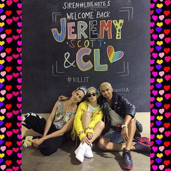@itsjeremyscott & @chaelincl make late nights @sirenstudiosla #chalky & #colorful // 📷: @poseidianne (((😘👑🐻💕🐰💛🙈🌈💓🎨))) #jeremyscott ✖ #CL ✖ #moschino ✖ #sirenstudios ✖ #💯 #lovenotes