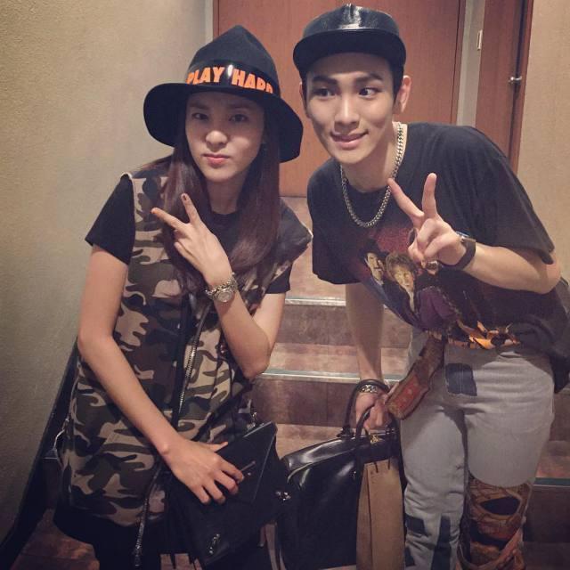 Key Instagram: Dara et Key ~! ça faisait longtemps qu'on ne s'était pas vus et merci d'être venue ~ émoticône heart La preuve en photo qu'elle a vu 'Chess'.