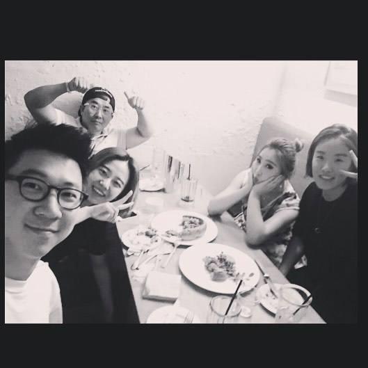 Minzy: Ma nouvelle famille Lol @hwangssabu @jhlee519 @rachcholong @wonjun_ko