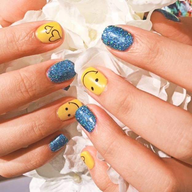 Minzy: #Minzy #summernails #smile #Love
