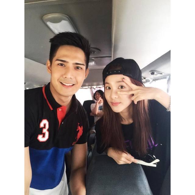 Dara: ça faisait longtemps~ 👋 avec Robi!!! 😀