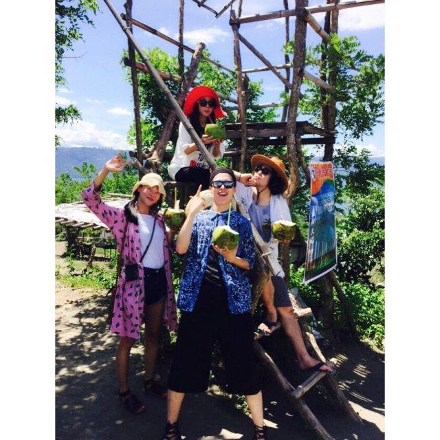 Dara: Les nouveaux membres du Dara tour~ C'est la famille We Broke Up~ >_< Ces amis savent comment s'amuser!!! L'excursion satisfaisante du premier jour est terminée~ 😁✌ Mabuhay!!! Bienvenue aux Philippines les membres du casting de #webrokeup !!!