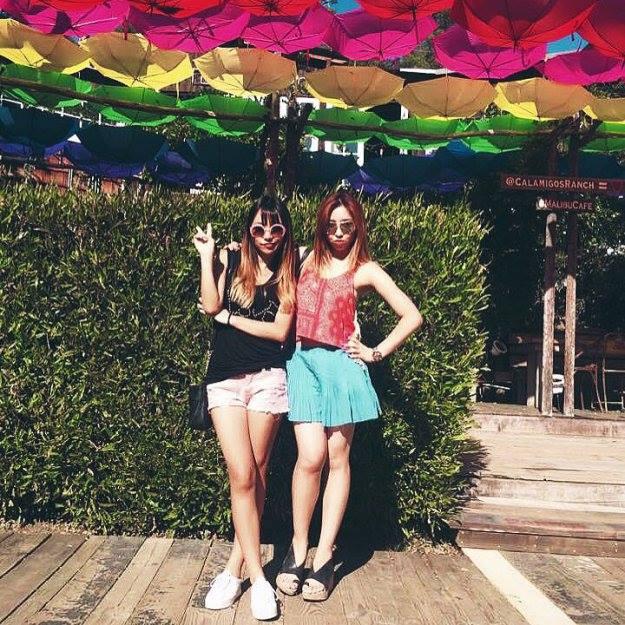 Minzy: Chilling with @jinjootheguitargirl ❤