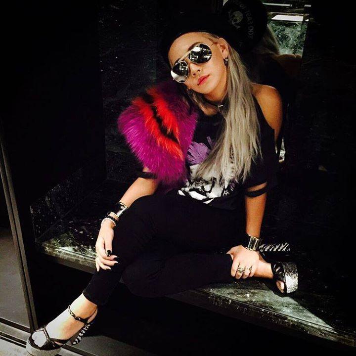 CL: #TORONTO avec Einstein et la fourrure de fendifendi