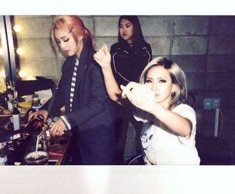 Pony (ponysmakeup@Instagram:) With 흥녀채린 @limited_juju_ @chaelincl